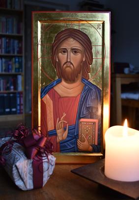 Kristusikon, ljus och paket