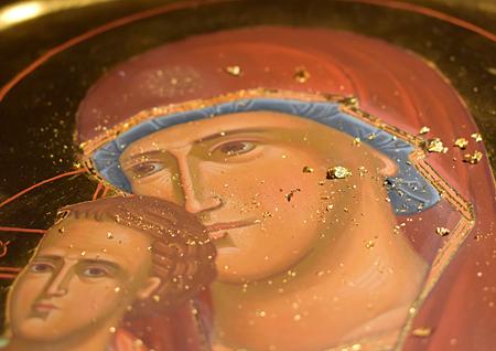 Detalj av assistförgylld ikon av Maria och Jesusbarnet